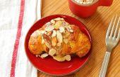 Zelfgemaakte amandel Croissants