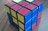 Het oplossen van een Rubiks kubus