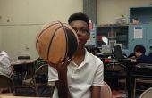Hoe te draaien van een bal op een vinger