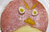 Boze vogels Open gezicht Sandwich met gemeenschappelijke ingrediënten