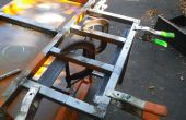 Met behulp van klemmen en schroot staal voor eenvoudige armaturen op weldments