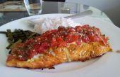 Gebakken zalm maaltijd - baby tomaat & kruid crusted prikkelende gebakken zalm met rijst en geroosterde asperges