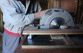 Hoe te converteren een hand-held cirkelzaag in een crosscut saw met schroot materialen.  Bricolaje: Sierra de mesa, zwaartelijn el uso de materiales recuperados
