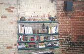 Opknoping boekenplank van karton buizen