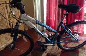 Monteren van een U-Lock op vrouwen fietsframe