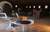 Eames-stijl stoel gemaakt van satellietschotels