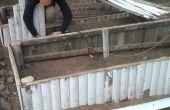 Aan de orde gesteld tuin bed van oude ceder hek