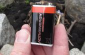Hoe maak je brand met behulp van slechts een batterij en staalwol