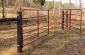 Hoe om te hangen van een boerderij poort/hek