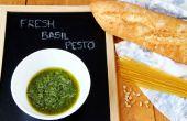 Zelfgemaakte verse basilicum Pesto (groene Pesto)