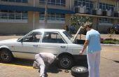 Repareren van een lekke band - moe van de easy way met een mini compressor in de kofferbak van de auto