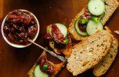 Tomaten met datums en groene Chili chutney