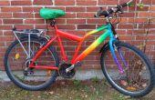 Regenboog fiets makeover w. acryl