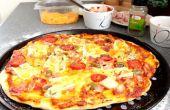 Hoe maak je een 3 Kaas Ham van heerlijke eenvoudige Pizza