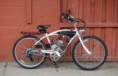 Aangepaste gastank op een gemotoriseerde fiets