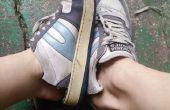 Cyclus van oude schoenen naar slippers of buiten tuin schoenen