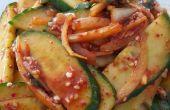 Koreaanse bijgerecht - pittige komkommer (Oi-muchim)