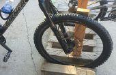 Hoe maak je een eenvoudige fietsenrek van een Pallet