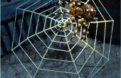 Enorme spinnenweb gemaakt van een paraplu