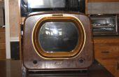 Redden van een vintage TV-kast