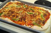 Zelfgemaakte Pizza deeg en saus