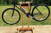 Zelfgemaakte houten fiets staan met dubbele montage