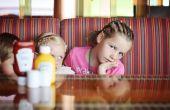 Spelen met messen - Keep Kids vermaken in een Restaraunt