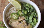Vietnamese kip noodlesoep