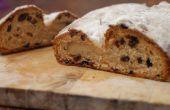 Stol - rijke vruchten brood gevuld met marsepein