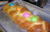 Italiaans gevlochten Pasen brood