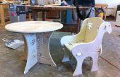 Houten tafel en stoel met gewrichten alleen