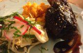 Hoisin geglazuurde Short Ribs met Aziatische ingemaakte groenten