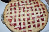 Zelfgemaakte aardbei Rabarber taart