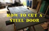 Hoe te snijden en het formaat wijzigen van een stalen geklede toegangsdeur