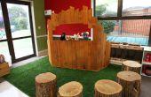 Poppentheater gemaakt van gerecycled pallet