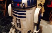 R2-D2 uit karton astromech