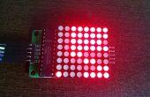 Verbazingwekkend binaire kalender en met inbegrip van maanfase in een LED Matrix klok
