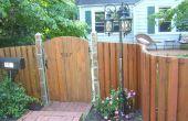 Een gebogen houten hek bouwen