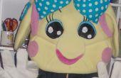 Miss La Sen voelde mascotte hoofd