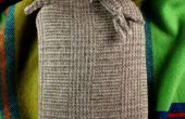 Mooie hete waterbottle cover van een oude wollen sjaal