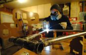 Bouwen van een gelugde fiets met behulp van een CNC gerouteerd frame de jiggernaut