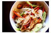 Rijst Noodle salade met rode Curry Kip en Avocado