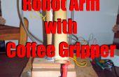 Robotarm met koffie gripper