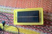 Zonne- en 9V batterij aangedreven mobiele lader
