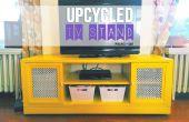 Upcycled TVs met drie schappen