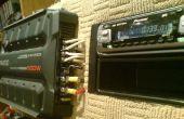 Bedrading van een auto audio-versterker en hoofd binnenshuis met behulp van PC voeding