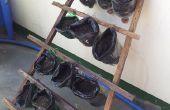 Plant van de potten met stand van gerecyclede materialen