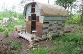 Gypsy Wagon gebouwd uit gerecupereerde materialen