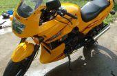 Hoe te debadge (verwijderen stickers) van een motorfiets.