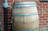 Verzamelen van regenwater met een wijn vat